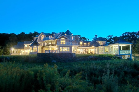 House of the Day Immense Property in New Hampshire