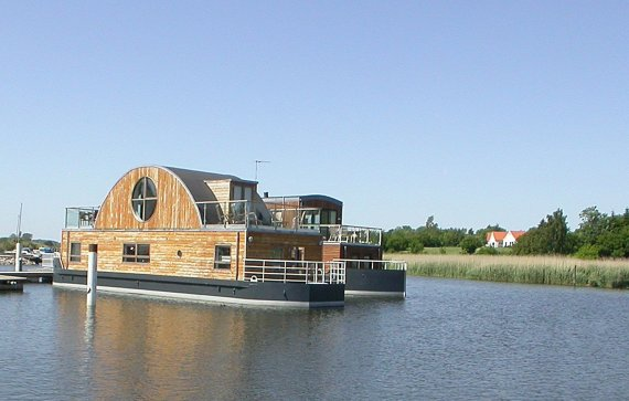 Houseboats by Waterliving
