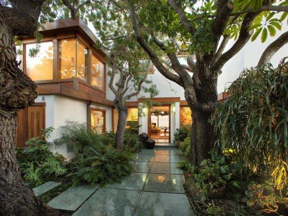 Luxury Oceanfront House in California