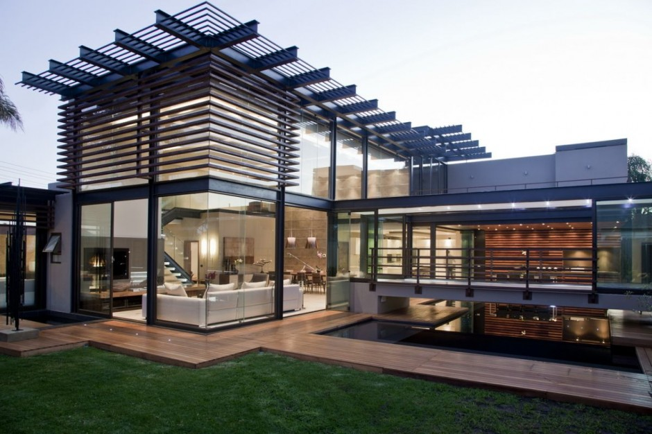 Luxury Villa by Werner van der Meulen in South Africa