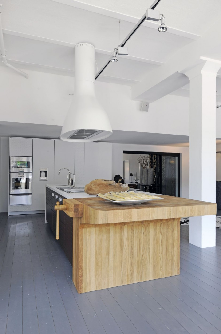 New Kitchen Showroom by Shiffini 3