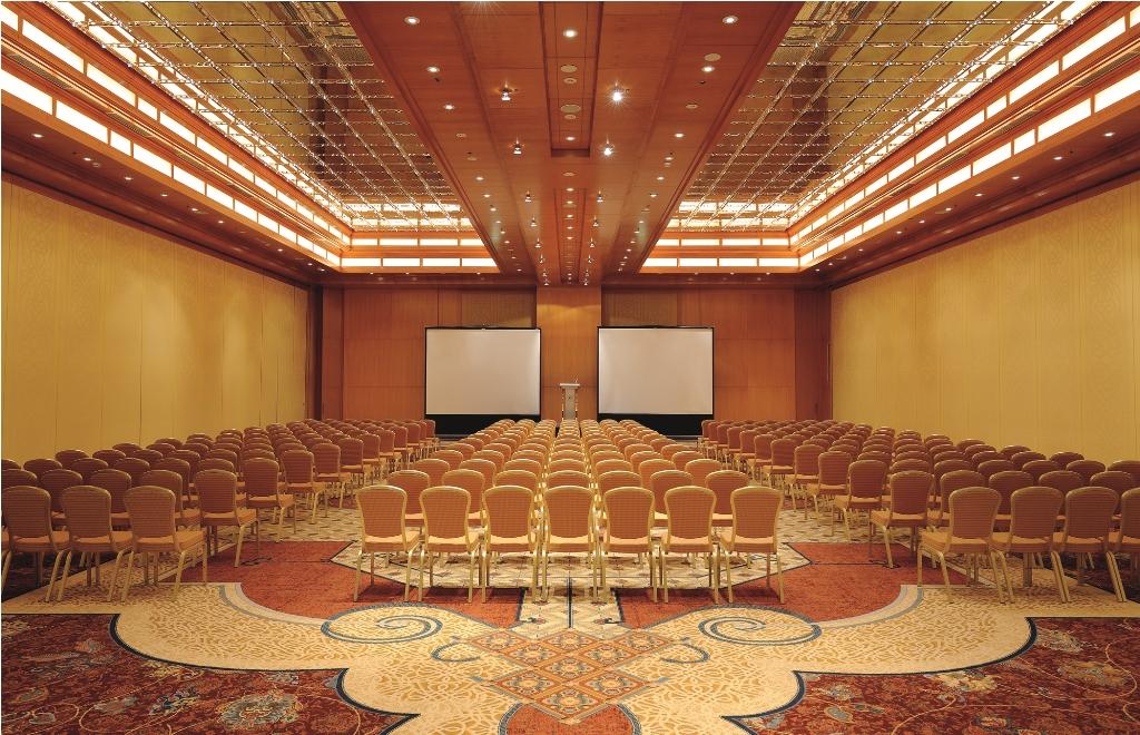 New Ritz Carlton Hotel in Dubai 3