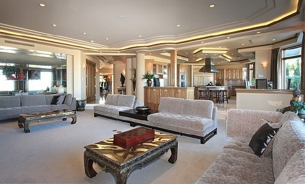 Nicolas Cage's Former Los Angeles Mansion for Sale - Luxury Magazine 8