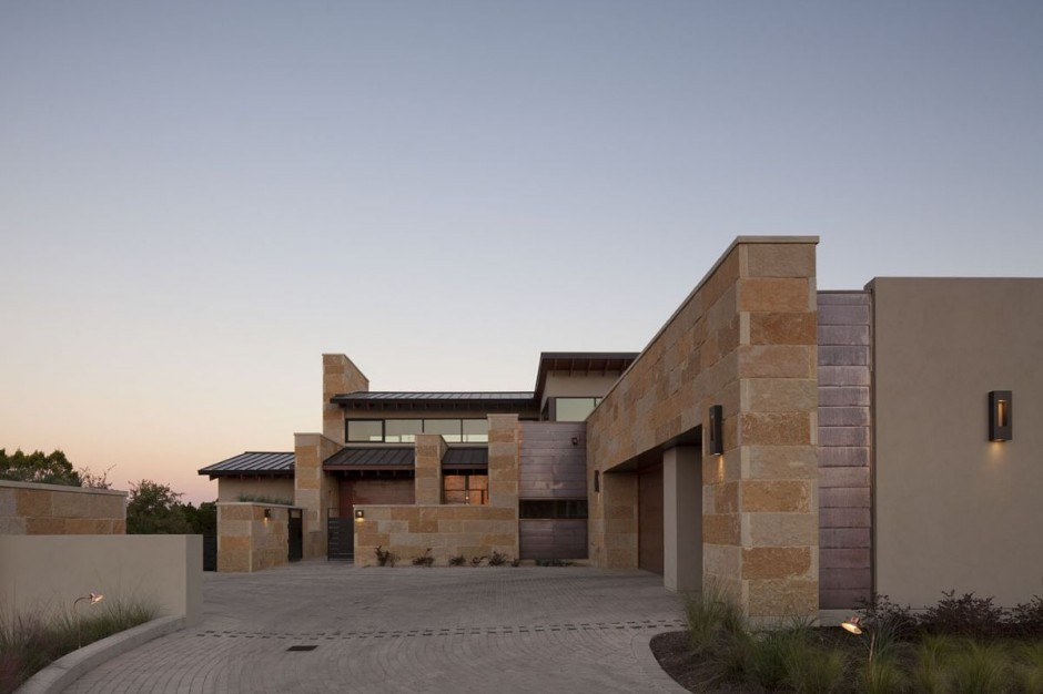 Terrace Mountain House in Texas 1