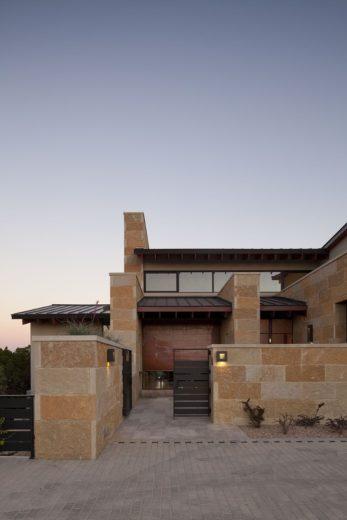 Terrace Mountain House in Texas 2