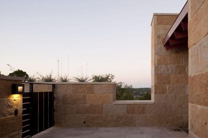 Terrace Mountain House in Texas 3