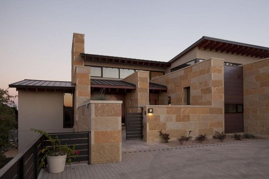Terrace Mountain House in Texas