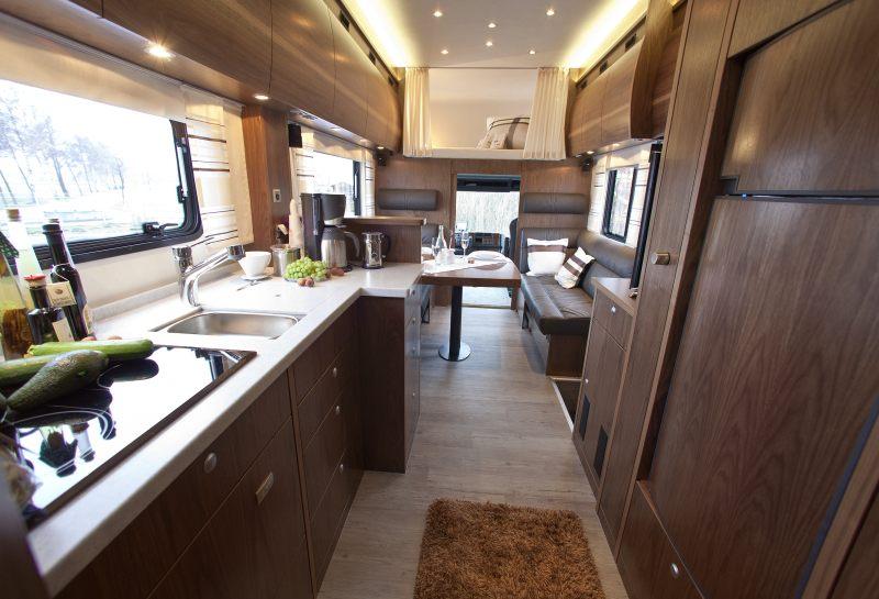 VARIO Alkoven 950 Luxury Motorhome 2