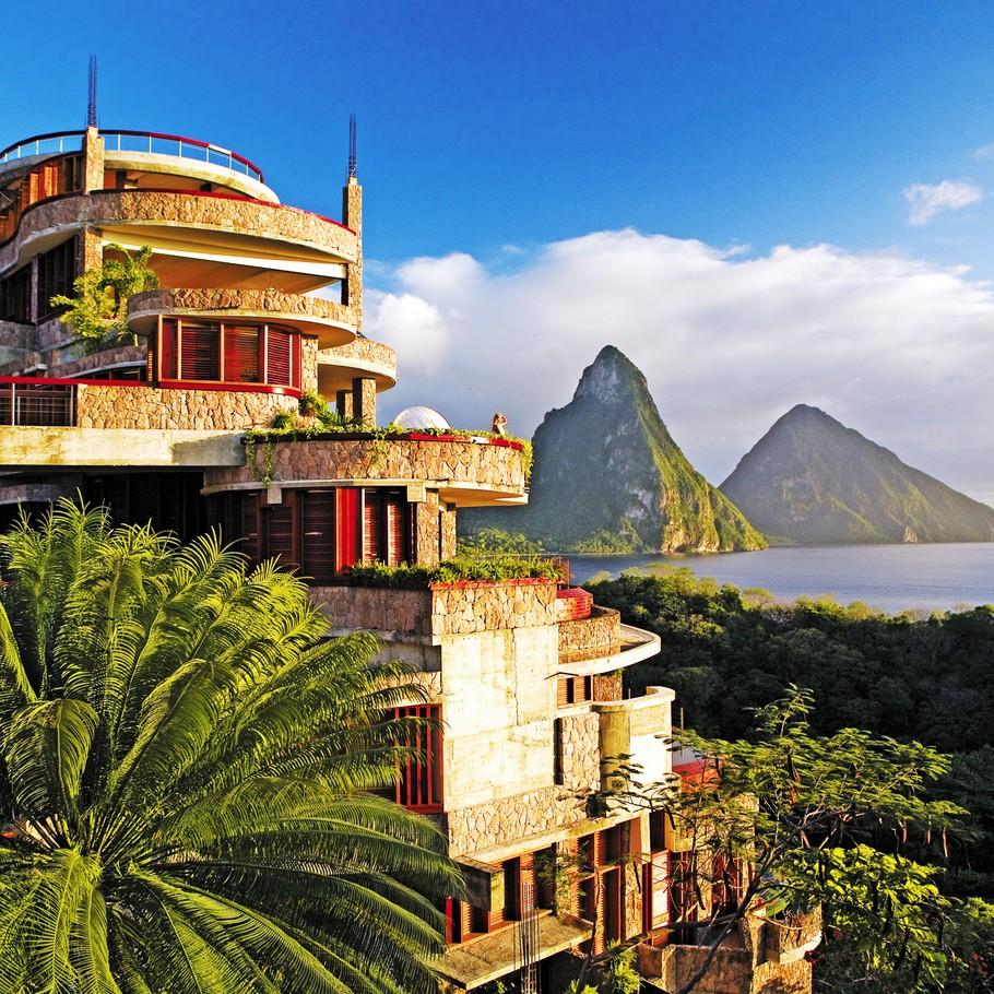Choose Jade Mountain for a Romantic Getaway