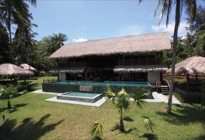 The Hibiscus Villa in Borneo 1