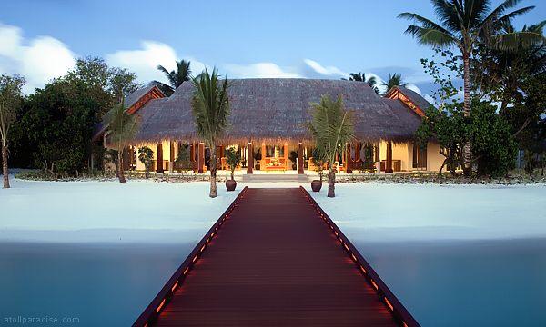 The Luxurious Anantara Resort Maldives 1