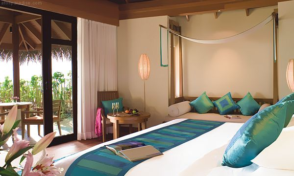 The Luxurious Anantara Resort Maldives 21