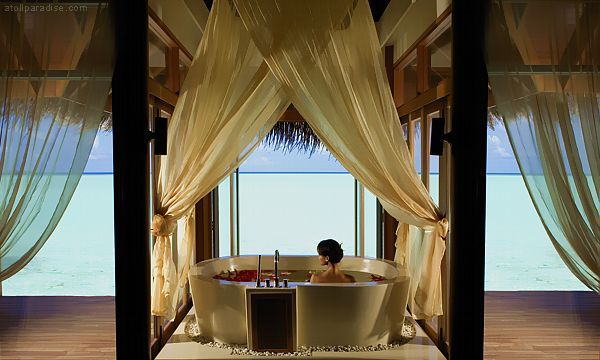 The Luxurious Anantara Resort Maldives 25