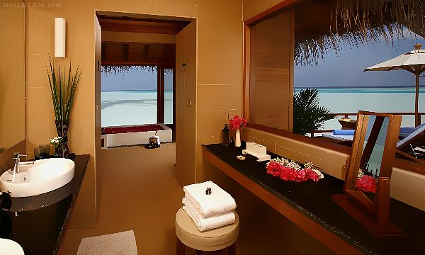 The Luxurious Anantara Resort Maldives 28