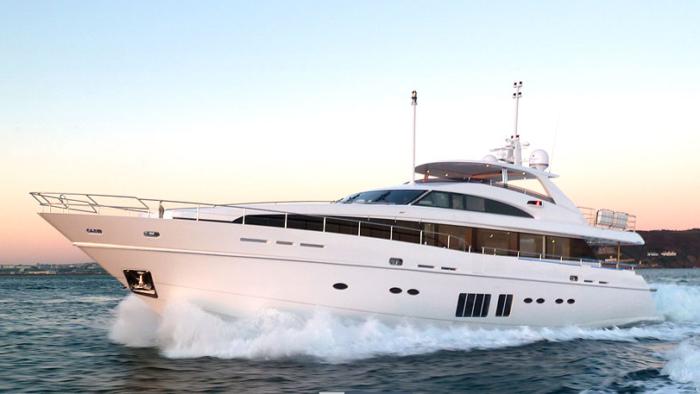 $11 Million Luxury Yacht from LVMH (7)