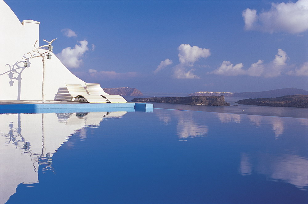 Astarte Suites, a Lovely Boutique Hotel in Greece (21)