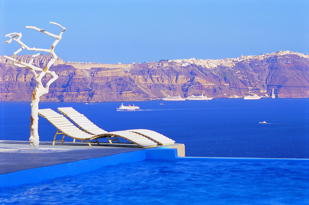 Astarte Suites, a Lovely Boutique Hotel in Greece (19)