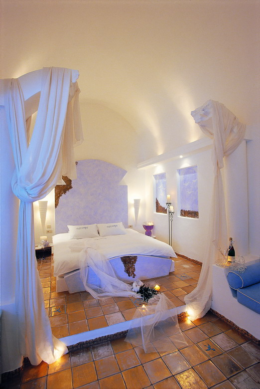 Astarte Suites, a Lovely Boutique Hotel in Greece (15)