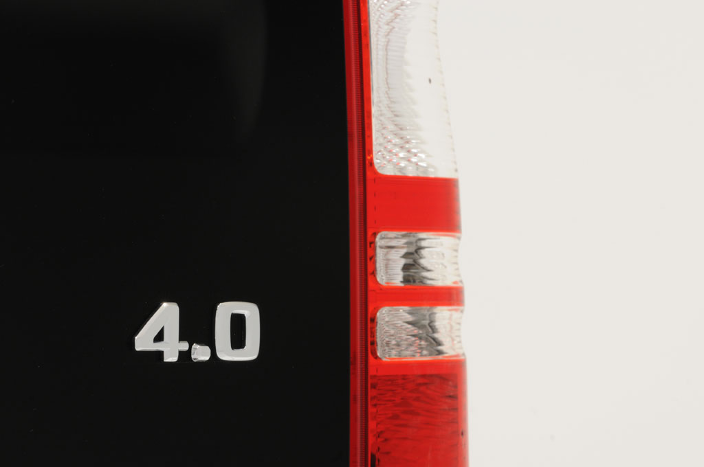 Brabus Mercedes Viano iBusiness 3D Van (19)