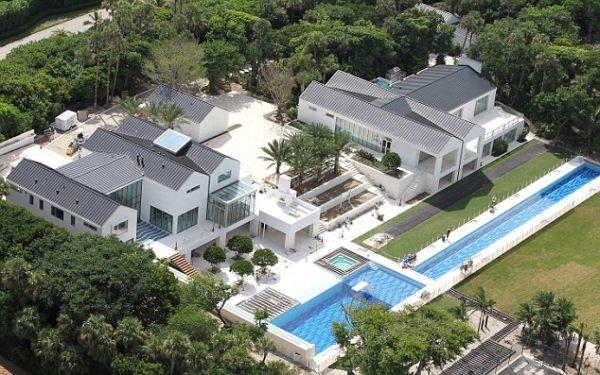 Tiger Woods' Stunning Mansion in Florida (4)