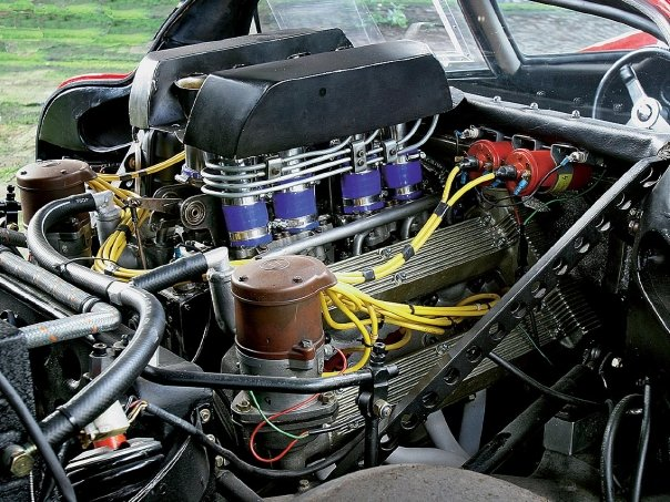 Alfa Romeo Tipo33 Stradale (6)