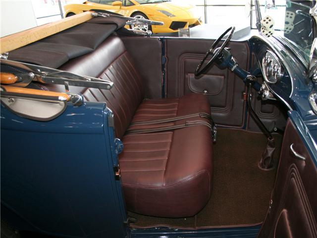 1932 Ford Highboy Roadster (46)