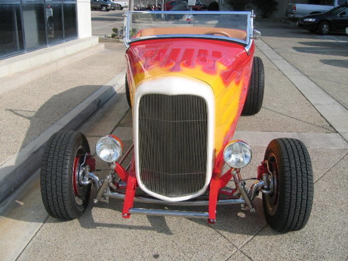 1932 Ford Highboy Roadster (37)