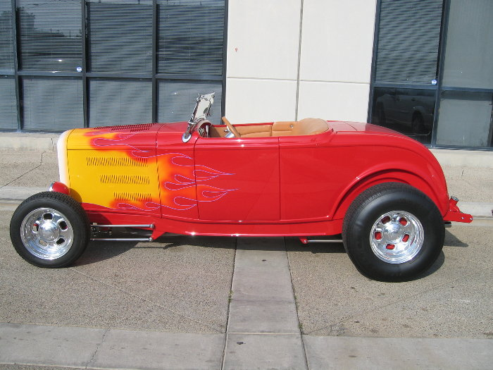 1932 Ford Highboy Roadster (35)
