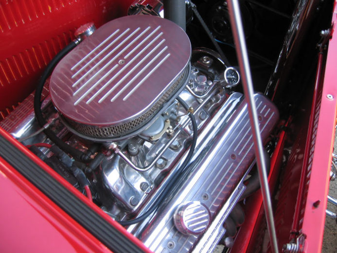 1932 Ford Highboy Roadster (13)