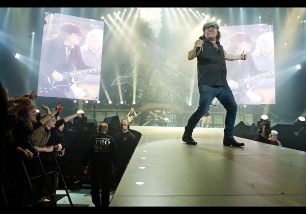 Brian Johnson of the rock group AC/DC pe