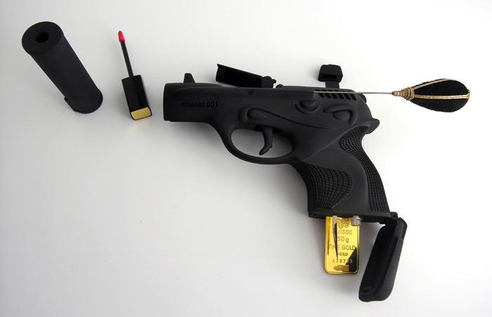 Ted Noten Gun Makeup Kit (2)