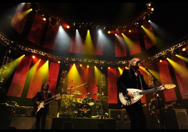 Tom Petty & The Heartbreakers With Joe Cocker In Concert - Oakland, CA