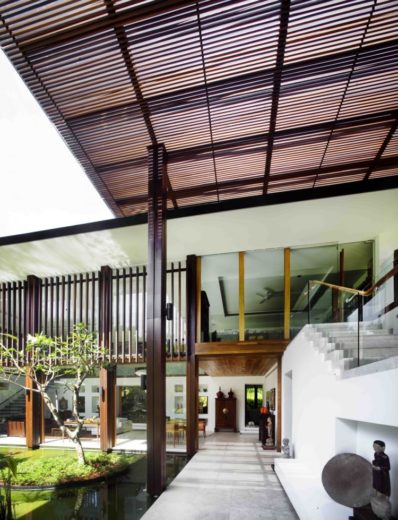 The Sun House in Singapore by Guz Architects (4)