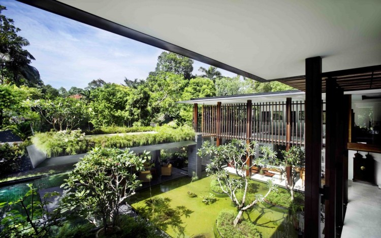 The Sun House in Singapore by Guz Architects (10)