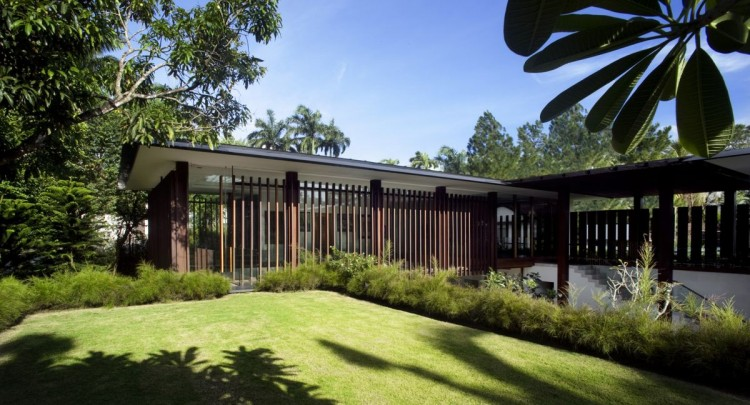 The Sun House in Singapore by Guz Architects (9)