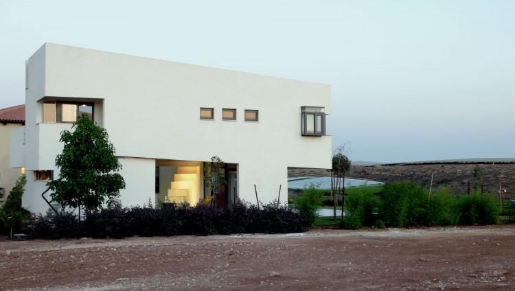 Desert Villa by Uri Cohen Architects (10)