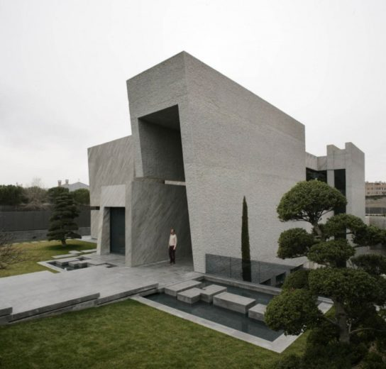 The Spectacular Open Box Residence by A-cero (17)