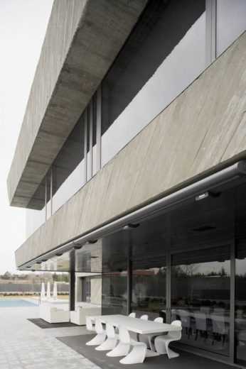 The Spectacular Open Box Residence by A-cero (4)