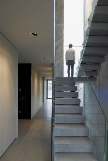 The Spectacular Open Box Residence by A-cero (1)