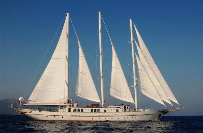 The Stunning Montigne Luxury Yacht