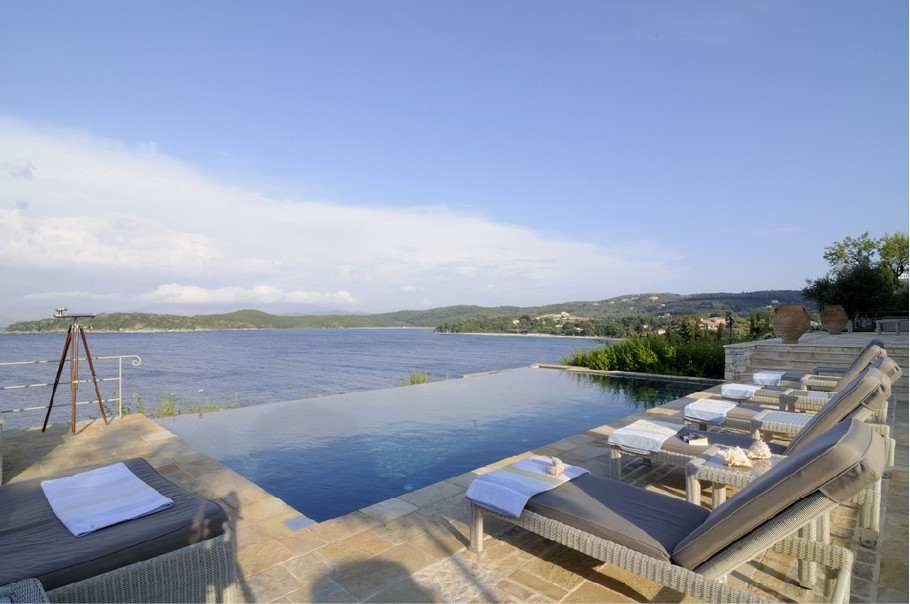 Magnificent Atolikos House in Corfu for Rent (17)