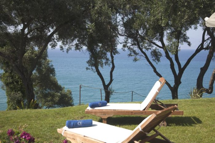 Akrothalassia – A Dreamy Villa in Corfu, Greece (9)