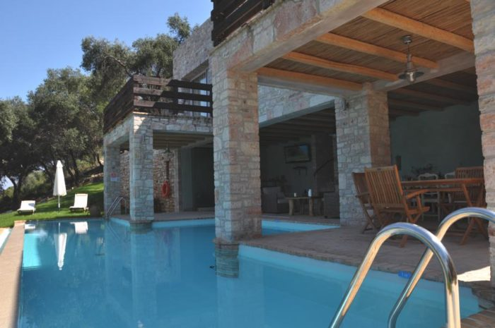Akrothalassia – A Dreamy Villa in Corfu, Greece (7)