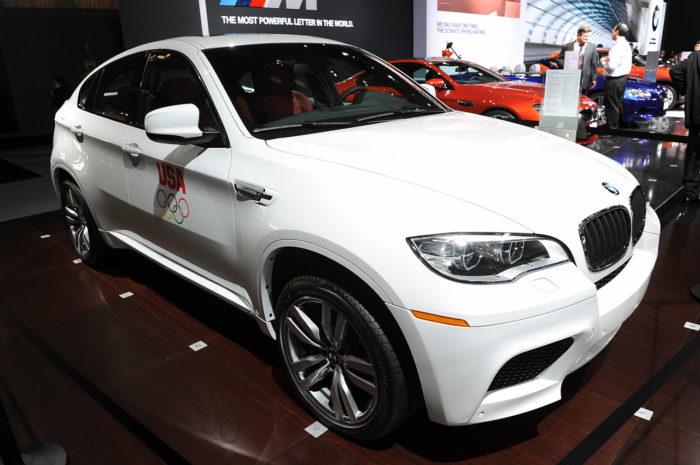 BMW Reveals a Slightly Enhanced 2013 BMW X6 M (10)