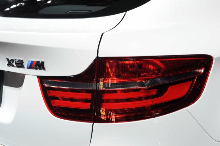 BMW Reveals a Slightly Enhanced 2013 BMW X6 M (2)
