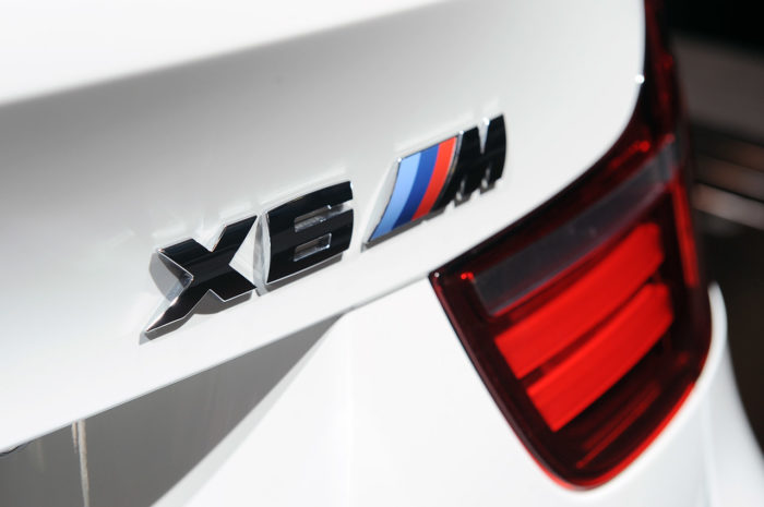 BMW Reveals a Slightly Enhanced 2013 BMW X6 M (1)