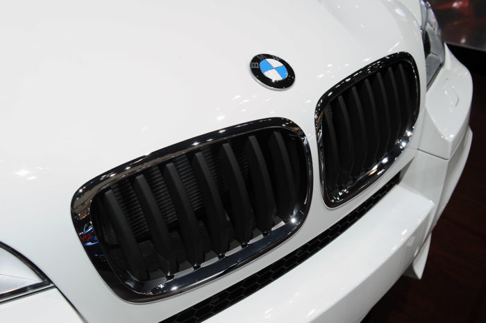BMW Reveals a Slightly Enhanced 2013 BMW X6 M (3)