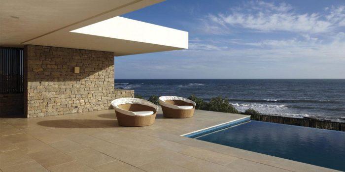 The Contemporary Buenos Mares Villa in Uruguay (10)