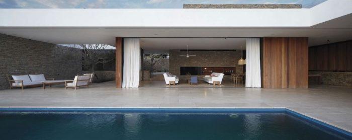 The Contemporary Buenos Mares Villa in Uruguay (11)