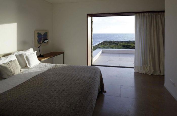 The Contemporary Buenos Mares Villa in Uruguay (18)